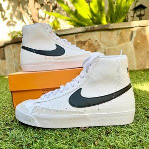 Nike Blazer mid white black shoes